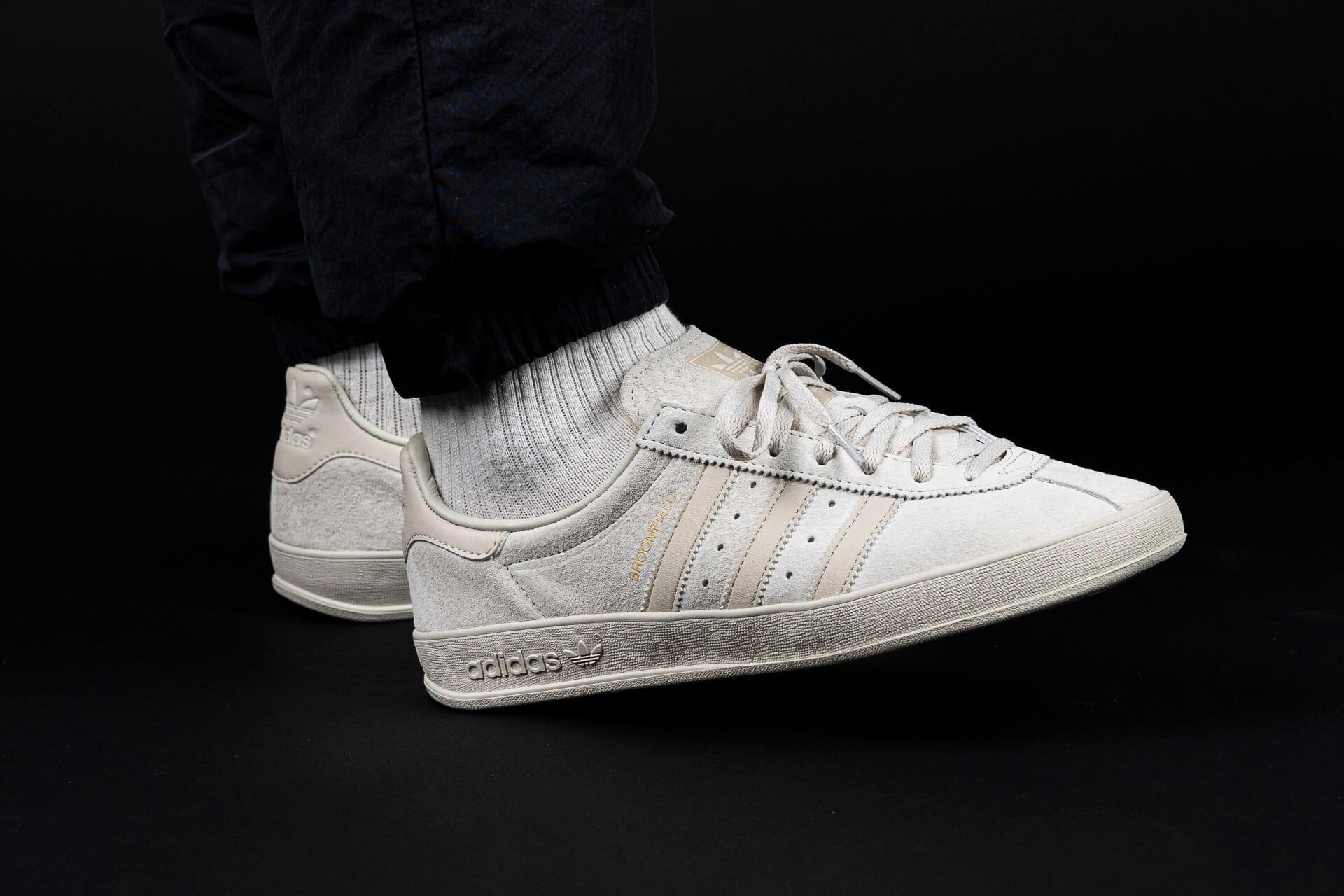 zeigt Broomfield von Adidas