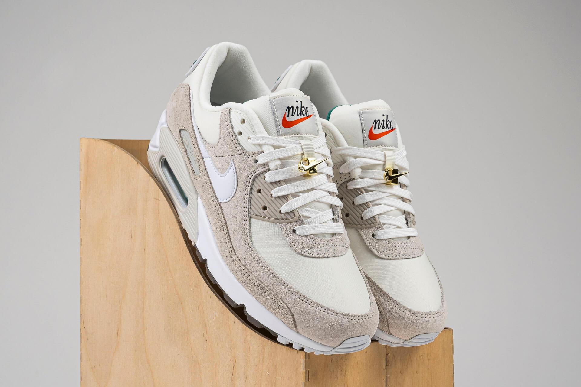 zeigt Air Max 90 SE von Nike