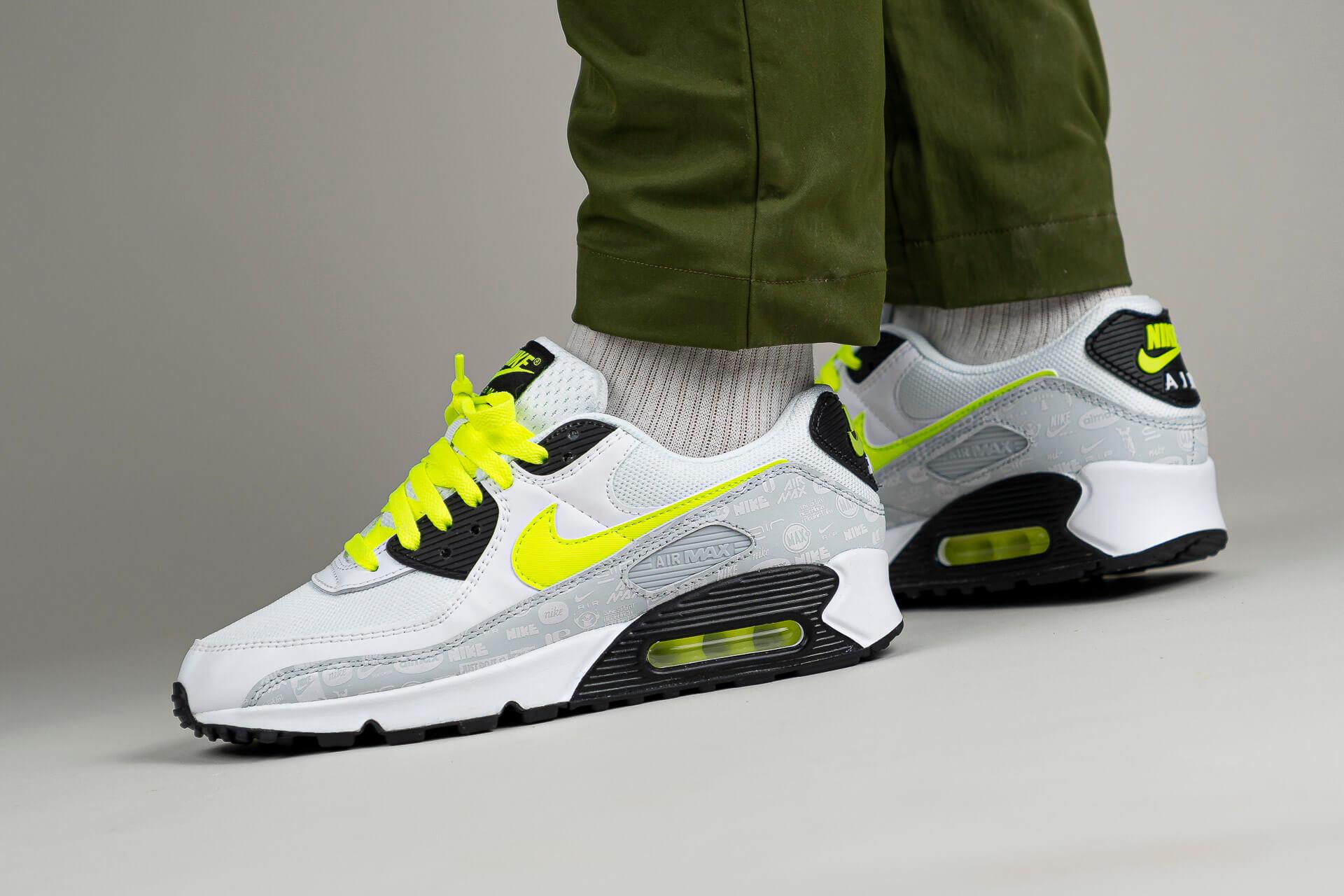 zeigt Air Max 90 von Nike