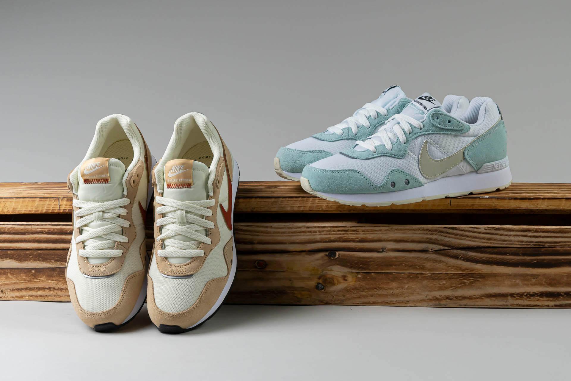 zeigt WMNS Venture Runner von Nike
