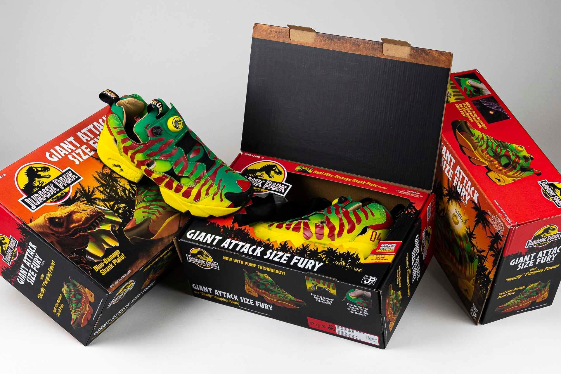 zeigt x Jurassic Park Instapump Giant Attack Size Fury von Reebok
